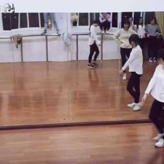 #舞蹈# harder👈今天尝试了新风格也依旧是泡芙😨😂
