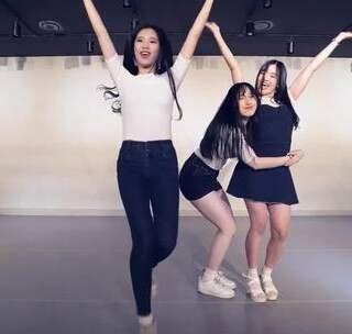 #韩流dance##舞蹈##twice#TWICE - Heart Shaker - Dance Cover.VIVA舞团