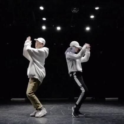 """桂蕾老师的新编舞视频来咯! @Witic的练习日记。 这次和高直老师一起来""""陪你过冬天"""" 看这两位有没有变温暖的 ! @嘉禾舞社草桥店 #舞蹈##嘉禾舞社#"""