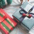 许久不更新,你们有没有想我呢?希望这次的更新能给你带来帮助。你们一定会问我视频里红色纸的名字,叫和风纸哦~如果喜欢记得点赞给我,爱你们。#手工##圣诞礼物##礼物包装#