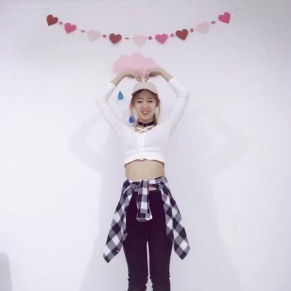 #heart shaker##舞蹈#最近一直在学泫雅的舞 发现自己真的不适合性感 跳个Twice的找找感觉哈哈哈🌚跳这种的就是得劲!#精选#想看完整的吗🤔☺点赞哟