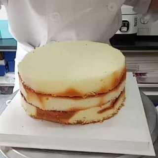 录了个抹胚的蛋糕视频,大家喜欢可以转发哦😊#自制美食##地方美食##美食教程#