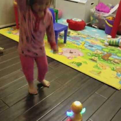太久不玩的玩具拿出来,兴奋的停不下来😂😂😂😂#萌宝宝##宝宝成长日记#