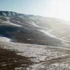 Winter in Mongolia 冬蒙古國 十二月初在零下30度的氣溫, 逛了首都烏蘭巴托成吉思汗廣場, 戈壁沙漠騎駱駝雙蜂駱駝真的有夠巨大也很酷🐫 特勒吉度假村雪地騎蒙古馬🐎 冰河上的雪橇犬🛷 哈斯台國家公園蒙古包。 走了這麼多地方, 只能說冬天的蒙古真的美哭, #旅遊##蒙古國##雪橇#