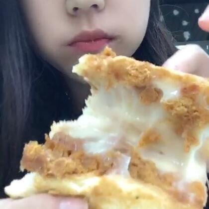 乳酪蔓越莓 ➕肉松沙拉卷➕奶酥面包 我超爱奶酥的!😁#美食##吃秀##我要上热门#