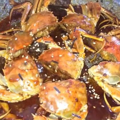 火鸡辣螃蟹#美食##家常菜##圣诞暖心餐#吃盘火鸡辣螃蟹,过个火辣辣的圣诞节吧😂😂