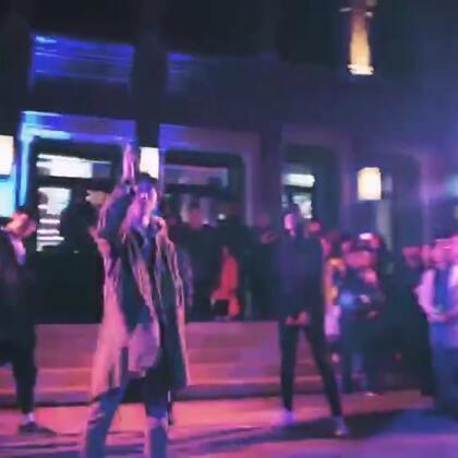 嘉禾舞社的这几位男神貌似去colors北京坊多彩之旅搞了一波事情 ! ! ! #舞蹈##嘉禾舞社#