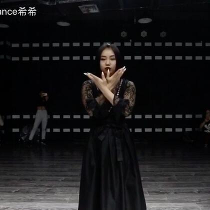 暗黑系的仙女之舞 #十万支创意舞##暗黑系#