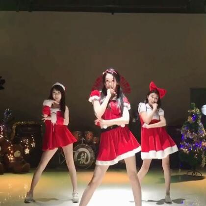 #圣诞舞#一支可爱圣诞舞送给你们🎄祝我的小可爱们圣诞节快乐吖~🎉#圣诞舞蹈##舞蹈#@美拍小助手