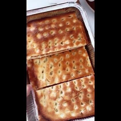 #自己制作面包# 意大利的focaccia🍞好吃耶😋