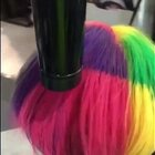 一妹子染了个随温度变色的头发~#节操吧#更多精彩请关注新浪微博: http://weibo.com/p/1005055658711731