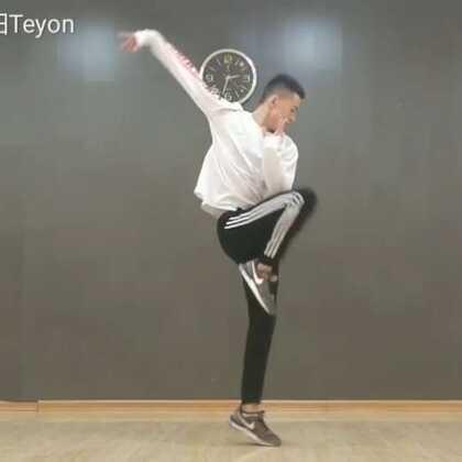 ☀Touch-Sunny Son Bao Choreography☀要飞天 没错!要飞天😆尝试了一个新的风格 可还行🤔#touch##sunny son bao##舞蹈#@美拍小助手 @舞蹈频道官方账号