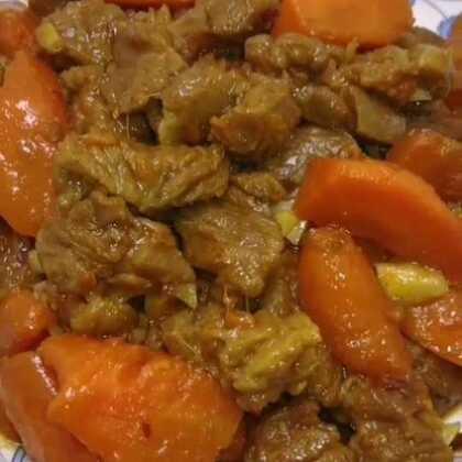 红烧羊肉胡萝卜教程,一点膻味没有,怕有膻味可以再加一点料酒或者黄酒,味道杠杠滴,米粉已经准备就绪,准备开造😁😁😁#美食##热门##家常菜#