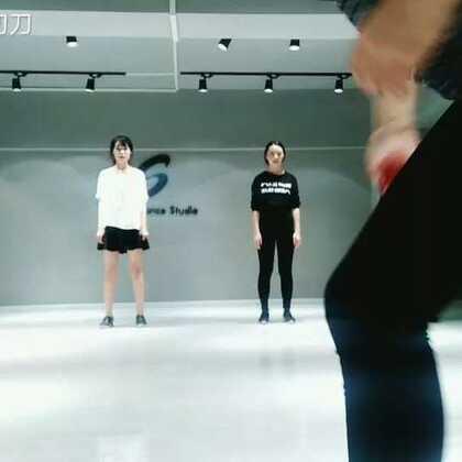 日常练习的不整齐,但是很开心第一次和马婧姐雨婷汤汤姐一起跳舞@集成MJ