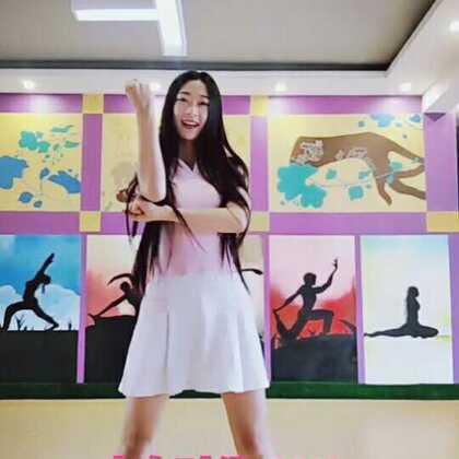 纪念我们永远的青春#舞蹈##少女时代#新的一年要加油!😏#运动#少时粉有多少,双手举高🙌