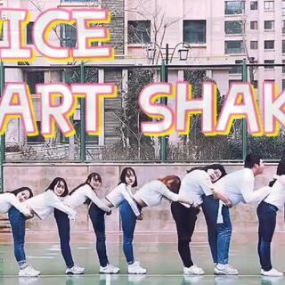 #twice##舞蹈##敏雅舞蹈#@敏雅可乐 Twice-Heart Shaker九个人的合作终于出来啦 请大家多多支持 在零下三度到零下十六度的天气里一遍一遍拍摄完成了这个视频 大家都辛苦啦 具体人员名单以及美拍账号在评论里哦♥️