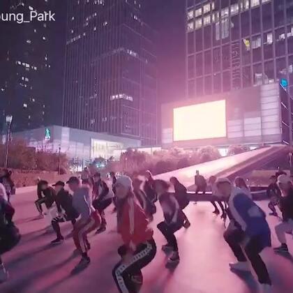 DFD x TheHouseCon Experience Choreography by Bongyoung Park, Jane Kim, Zeko #BongyoungPark##Jane Kim##Zeko##dfd##thehousecon##choreography#