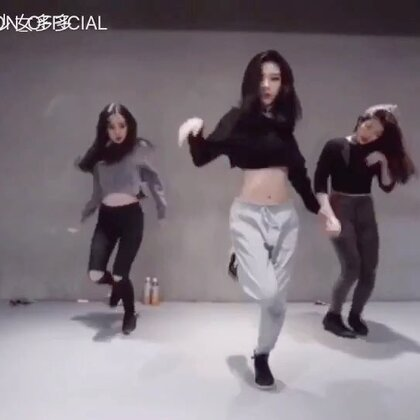 很喜欢Tina boo跳舞的感觉,powerful and sexy,专门cut了我最喜欢的她的一个舞蹈片段,学习榜样!