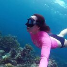 其实这么好的景观没有多深,3-5米。会游泳练习一下自由潜水基础,就可以有这样完美的照片与视频,出现在你朋友圈#水下摄影##海岛旅行##旅拍#