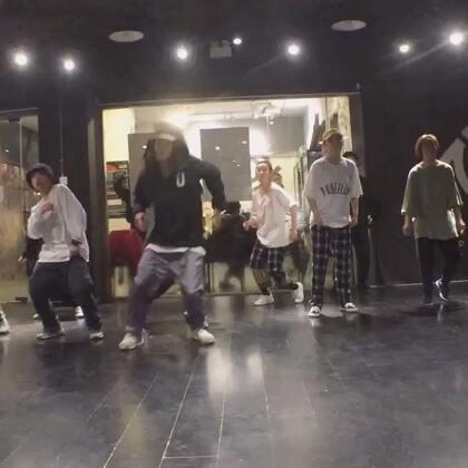 @PureSoul舞蹈工作室 @Matthew-A-Ching 阿成帅,真的帅,当然很搞笑😂😂❤❤❤😘😘😋😋👑👑👏👏💃💃💃