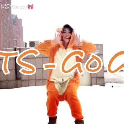 #十万支创意舞##防弹少年团gogo##舞蹈# 大雪中的gogo😛 一起来约睡衣趴呀~ 可怜的是 录完第二遍冷的手机直接冻关机了📴😢 @美拍小助手 来关注微我博哦~ 与美拍同名 :慕家大小姐Wendyhttps://weibo.com/u/1732469944