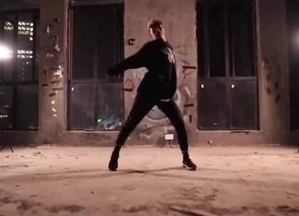 长沙店的老师们也是多才多艺,自己编自己跳自己剪辑,帅的!@BobbyDon2 @嘉禾舞社长沙雨花店 #舞蹈##嘉禾舞社#