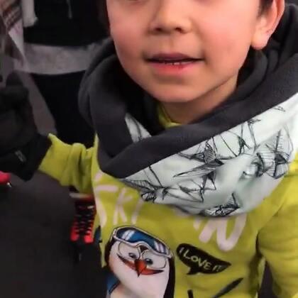#宝宝##精选##运动# 带孩子们去溜冰!