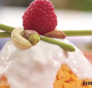 """把富士山的""""初雪""""吃到肚子里,会是怎样的感觉?食材、做法都很简单的一道下午茶,快点学起来吧!(BGM:데려다줘요)#美食##食谱##下午茶#@美拍小助手"""