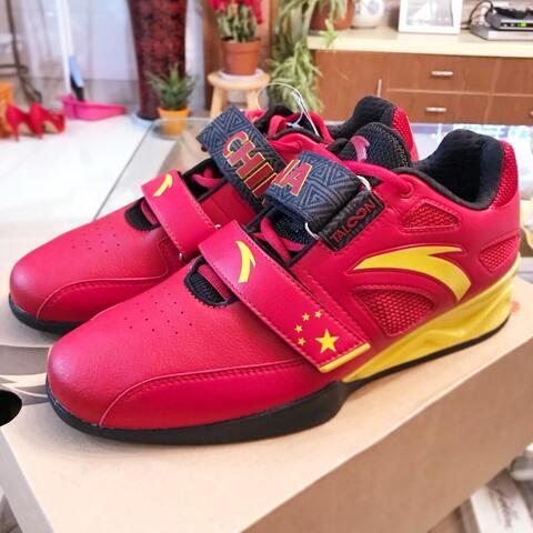 【许宇毅Ken美拍表情文】在中国买的新的举重鞋太好看了!...
