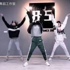 欢迎收看#舞蹈##老大bridge#冰倩,博格,文霞,更多精彩视频请关注美拍#八点舞舞蹈工作室#