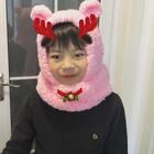 #美拍陪你过圣诞#围巾连衣帽,😄很保暖哦😊织给我自己的😊接孩子放学或者外出再也不怕冷啦😄执法超级简单😊宝宝大人都可以戴的😊准备再给儿子织一个男孩子的颜色,这样每天去上学路上就不怕冷啦😄#手工##我要上热门#
