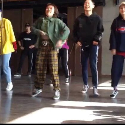 #舞蹈#@SINOSTAGE舞邦_陶子 @Bear.Ling🐻 #我要上热门#@美拍小助手 🍑的编舞~这两天怼体能怼到没法走路😓
