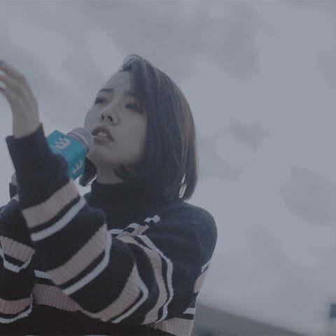 【不要音乐美拍】美女惊艳翻唱邓紫棋《单行的轨道...