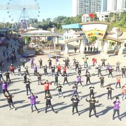 #唯酷街舞#建水逆天潮童大集结!演绎张艺兴-SHEEP!现在的孩子越来越有型啦!#舞蹈##云南唯酷国际流行舞蹈连锁#