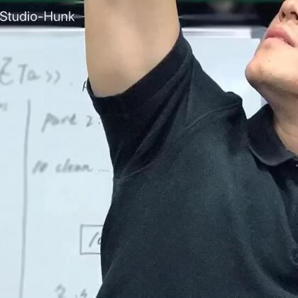 #健身##减肥#最新推出视频集#Hunk 训练小贴士#,第二部。以后也许会多拍,也许会不定期断更,反正有了想法就会拍一些,简单易学,让训练更有乐趣!