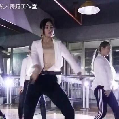 #昆明街舞##舞蹈#Music:U .编舞by72,铁三角私人舞蹈工作室寒假班招生中,私信
