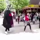 我跳起舞来连自己的都怕
