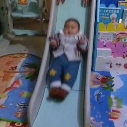#宝宝##运动#爱运动的宝宝!滑滑梯,荡秋千!👍👍👍