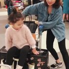 从新加坡到成都和从成都回新加坡的一些小视频,这次回成都是为了视频最后我穿的那双鞋子,😜😜😜我们自己生产的哦。#mo旅行##momo和妈妈#