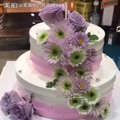 #美食##蛋糕##甜品#喜欢这款的扣666,不喜欢的扣777,我看看还有多少人喜欢😘