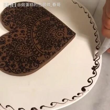 巧克力饼干.看起来很像什么小伙伴.快过年了哦.动动手给春哥点个赞.点赞加评论抽五位送新年红包哦.喜欢的送颗小心心哦#精选##美食##我要上热门#