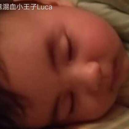 #宝宝##精选#睡得这么香,把你抬走你都不知道哦!😂😂😂