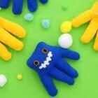 过时的旧手套如何处理?巧手宝妈不妨给宝宝diy一个手套小怪物玩偶,造型可爱,创意满分!注意手套面料要柔软亲肤,不会对宝宝有伤害。#宝宝##手工##育儿# @美拍小助手 贝贝粒,让育儿充满欢笑。