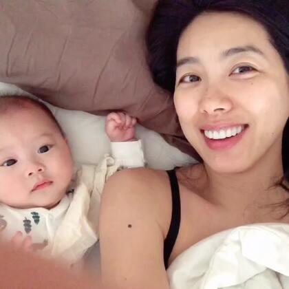 一早餵完奶發現床上有兩隻寶寶😄