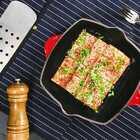#街边小吃# 冬天的时候,总想吃点热fufu的东西,那就来份【香料烤豆腐】吧!外酥里嫩的烤豆腐冒着鲜香的热气,捧一盒上街,手里胃里心里都是暖的!你们有什么出门必买什么小吃吗! #美食##食谱#
