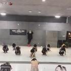 #舞蹈#集训班课堂视频 music:slowdance💥很简单的一支舞 练习爵士形体和基本功 过两天会出官方版这个舞#我要上热门##爱舞蹈爱生活#