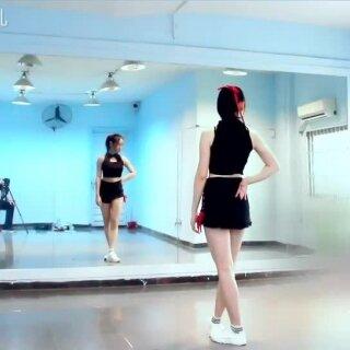 寄明月没有扇子也能跳哦!非常能锻炼你的手腕,你也可以先跟无扇版再拿扇子哦#舞蹈##中国风##寄明月#