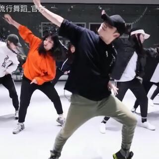 #舞蹈##杰杰熊##JJX DANCE# 小安URBAN CLASS Forbidden fruit 更多精彩视频陆续更新...https://weibo.com/u/6416719753