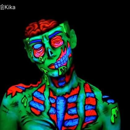 一个简单的小视频,让你们更了解我,了解我的世界!#人体彩绘#