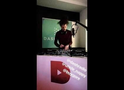 今天在Dash Radio的Live表演!有一些未发行的音乐哦!🔥🔥🔥 #嘻哈##电音##音乐#